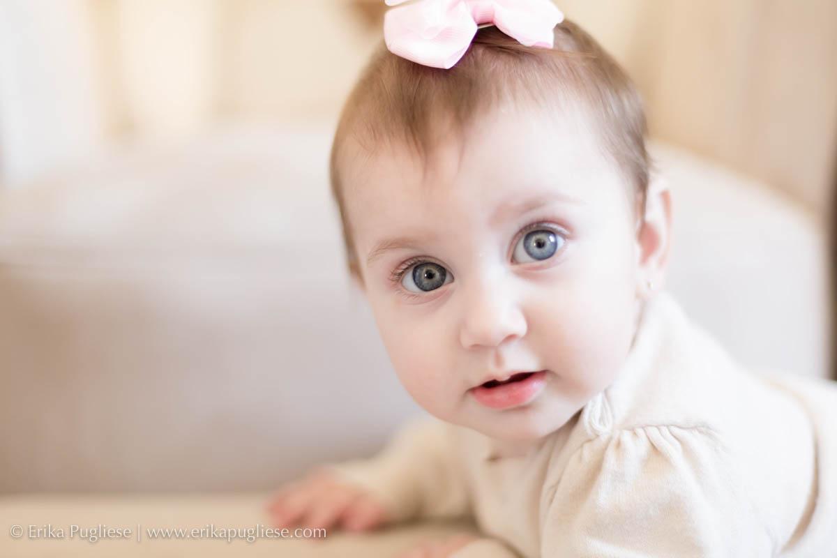 Lorena princesa com olhos azuis de bebê encantador