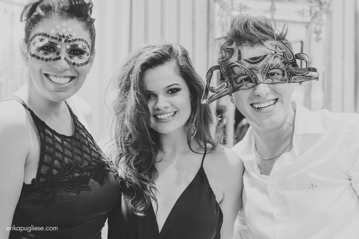 Juliana Issa, Gabriel Fernandes, Gil Medeiros - Mostra D'Casa - Santos - SP
