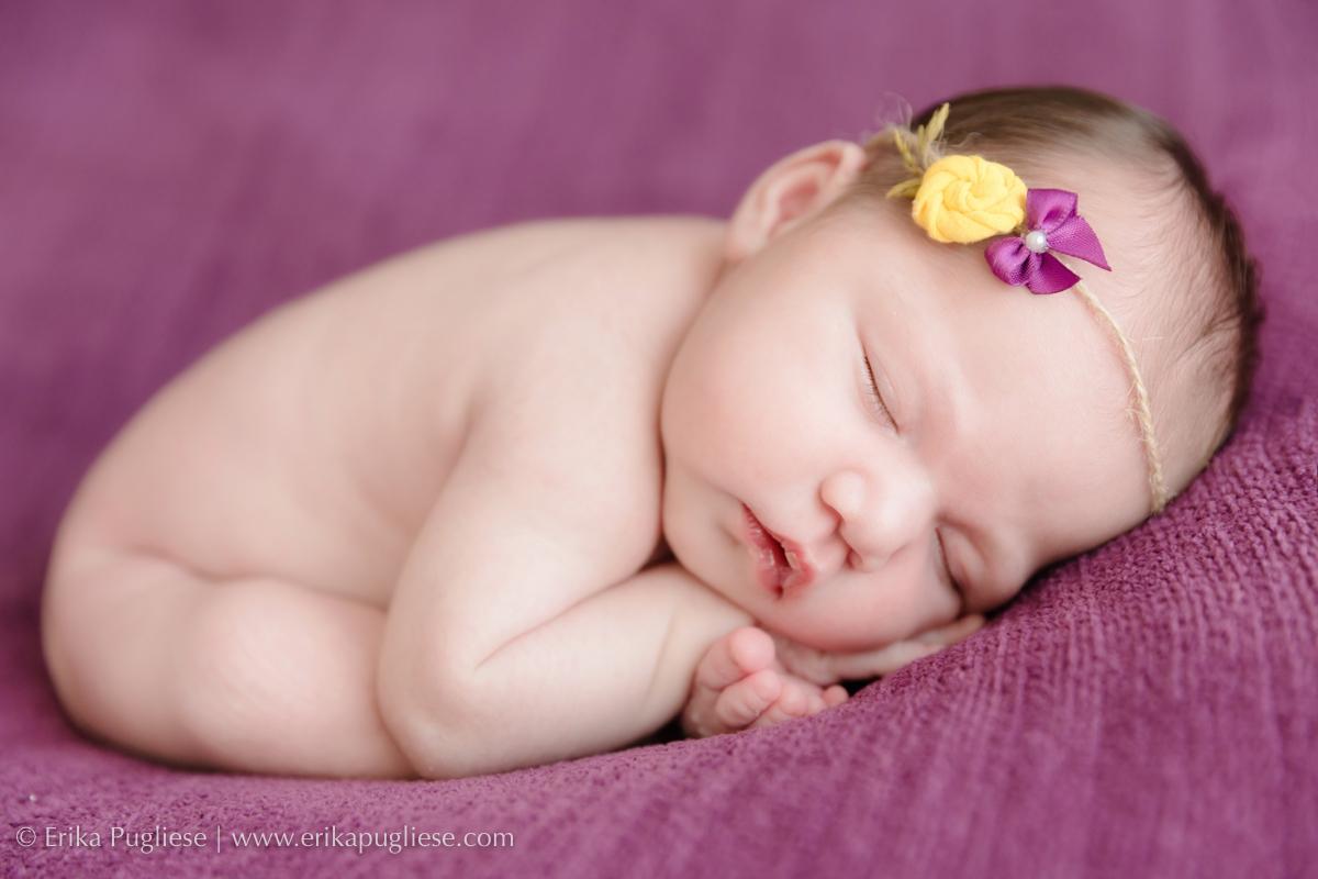 larissa linda no ensaio newborn feito por Erika Pugliese