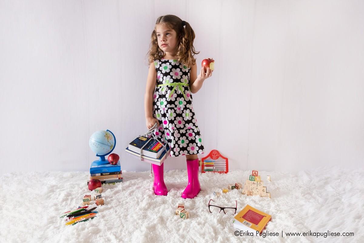 linda menina em seu ensaio infantil com Erika Pugliese