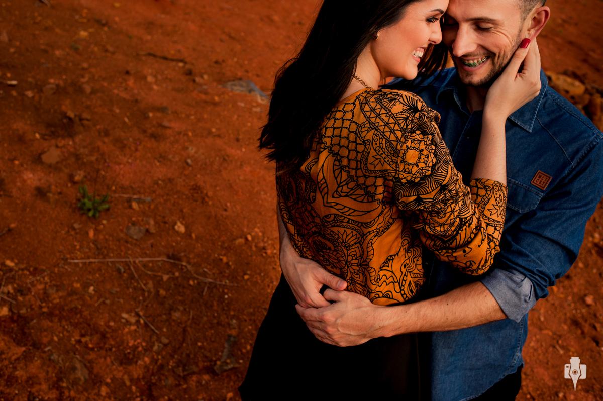 ensaio pré casamento cheio de sorrisos