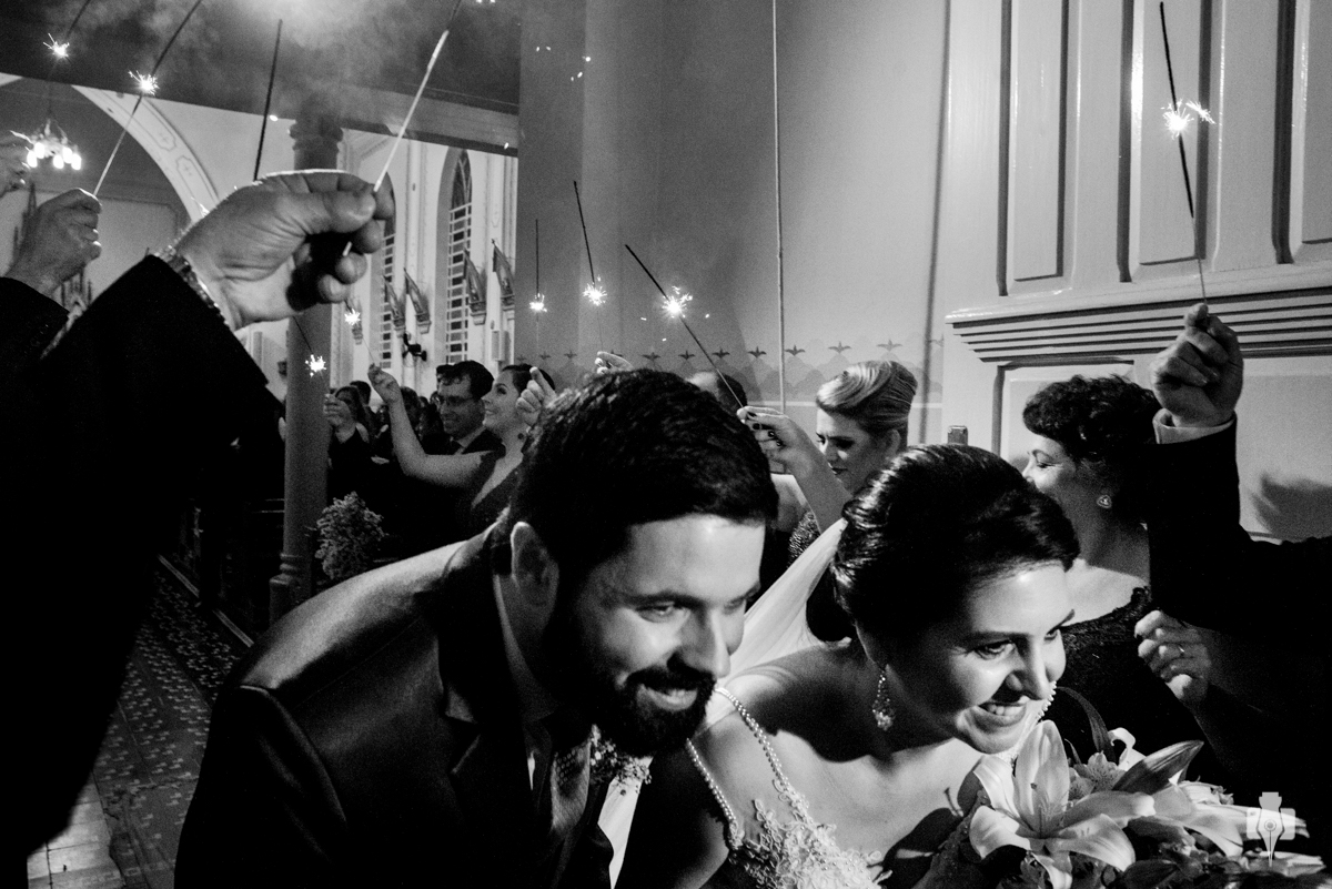 casamento da mari e rodrigo na igreja