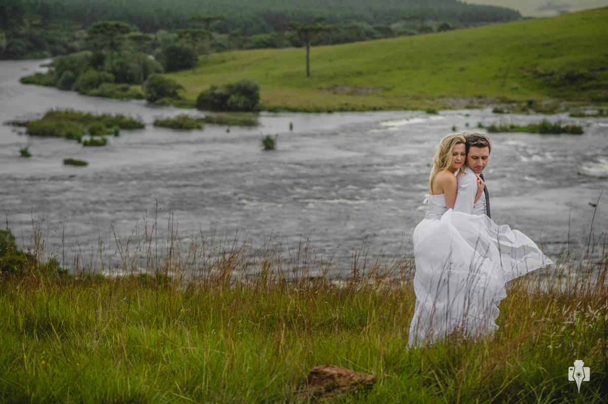 trash the dress e ensaio de vestido de noiva de daiana e diego no canion fortaleza em cambara rs