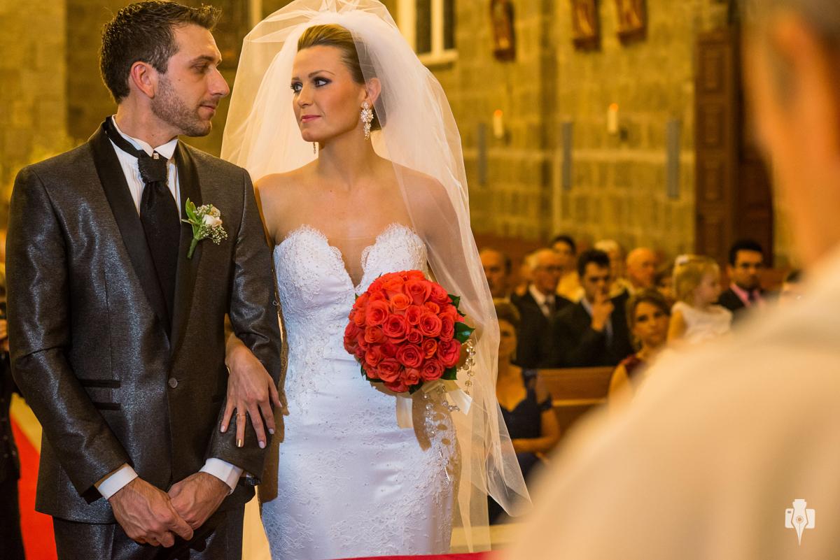 casamento de daiana e diego na igreja catolica de gramado rs e noiva com vestido da rosamaria unique e festa de casamento na casabranca em gramado r