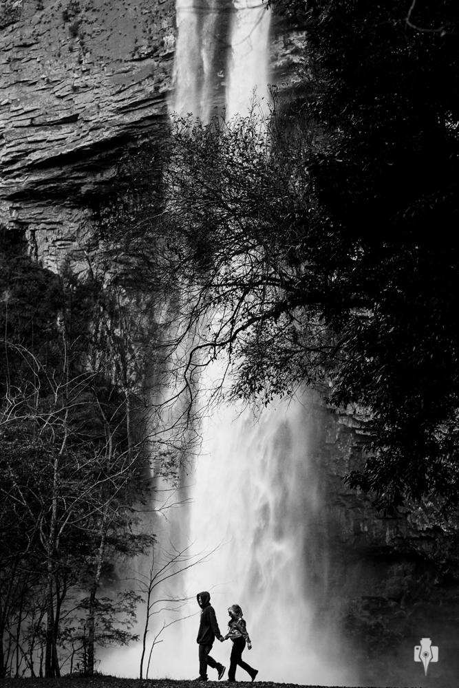 ensaio de gestante no interior do riozinho na cascata do chuvisqueiro rs
