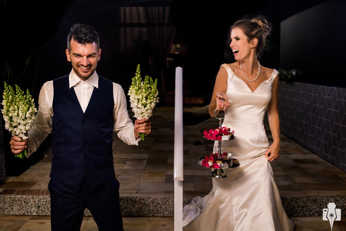 fotos dos noivos indo embora