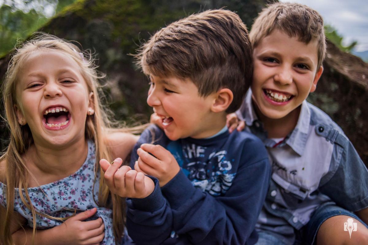 ensaio de irmãos e ensaio infantil e ensaio de menina e ensaio de menino de felipe e fernanda em riozinho rs