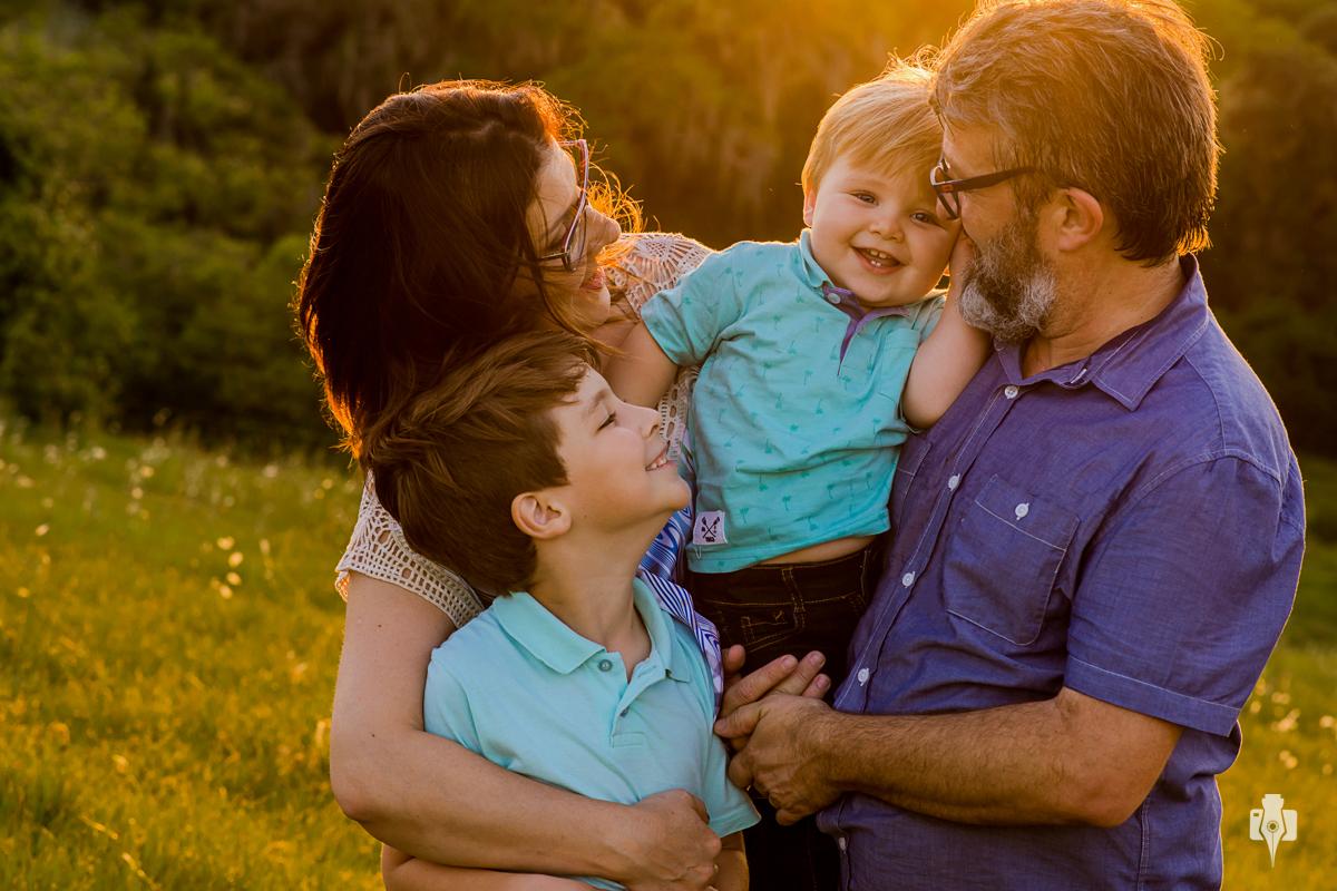 ensaio fotografico da familia esquinatti bernardes de nei bernardes e beth esquinatti no interior