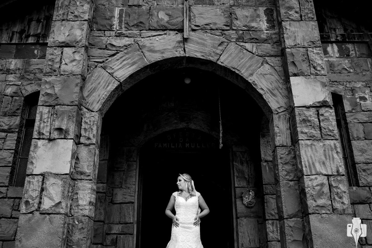 fotos de vestido de noiva em gramado