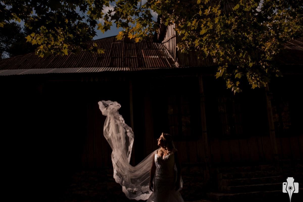 fotos de noiva em casarão antigo, em canela