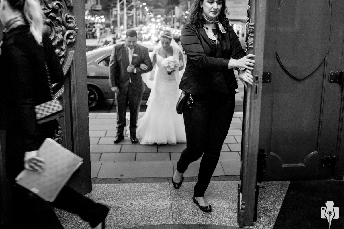 fotos da entrada da noiva em canela