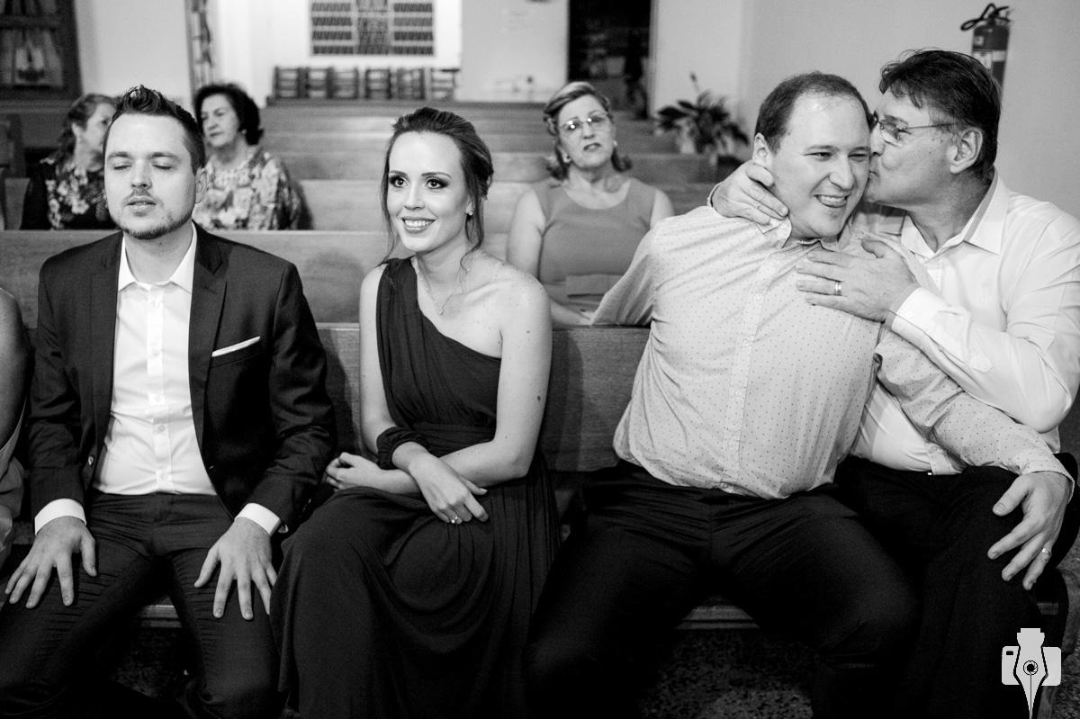 cerimonia de casamento com poucos convidados