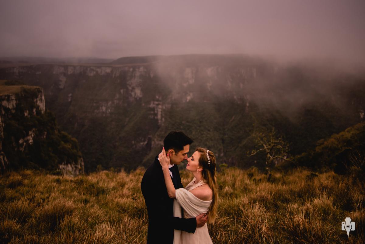 qual o melhor clima pra fotografar? trash the dress em dia nublado ensaio fotografico em dia frio ensaio fotografico nos canyons cambara do sul canyon fortaleza