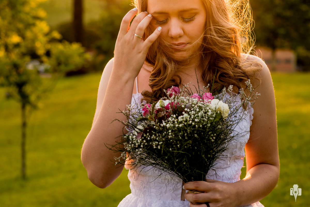 fotografia de casamento ao ar livre sitio palavra da vida sul casamento alternativo feito pelos noivos