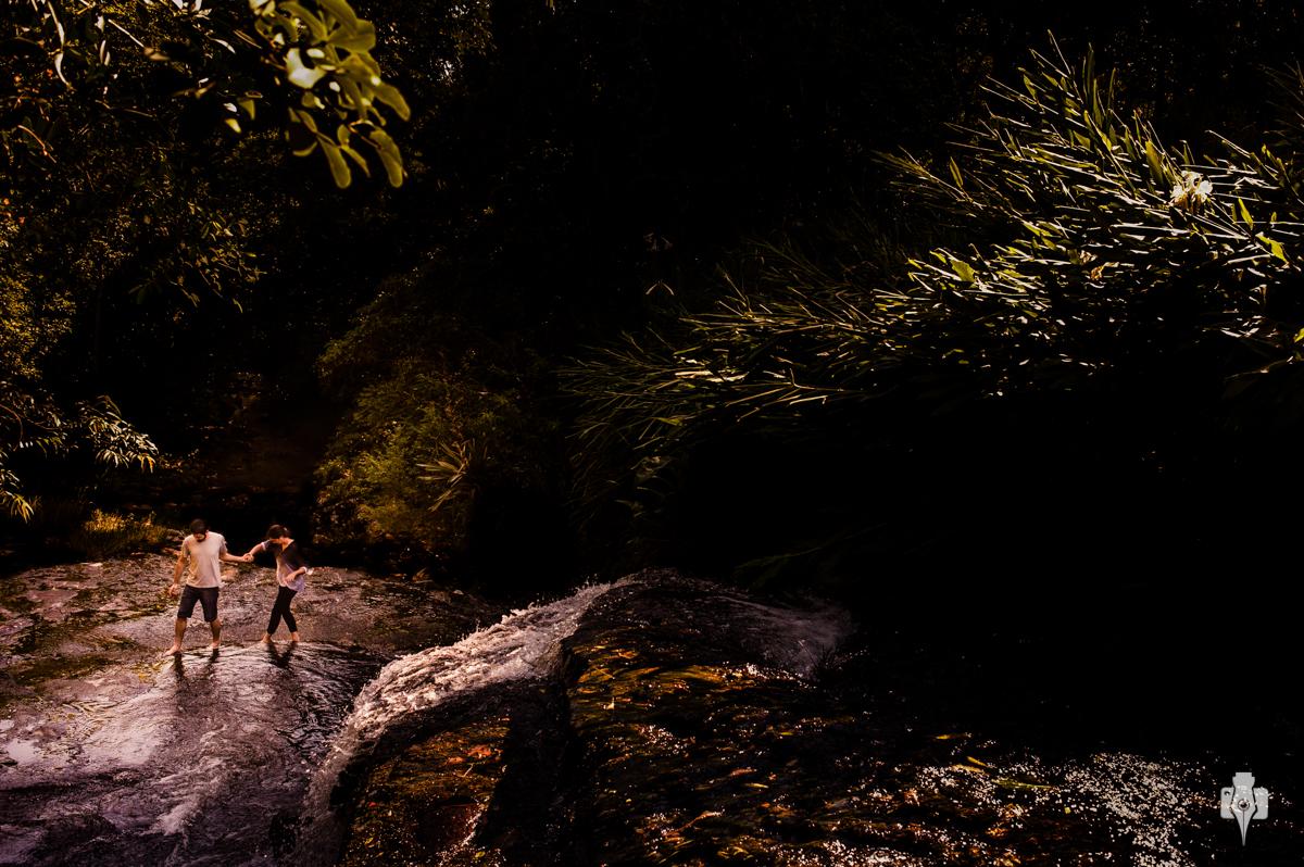 ensaio pré casamento de mariana e rodrigo fotos de noivos nos parrerais sessão fotográfica de casal na serra gaúcha