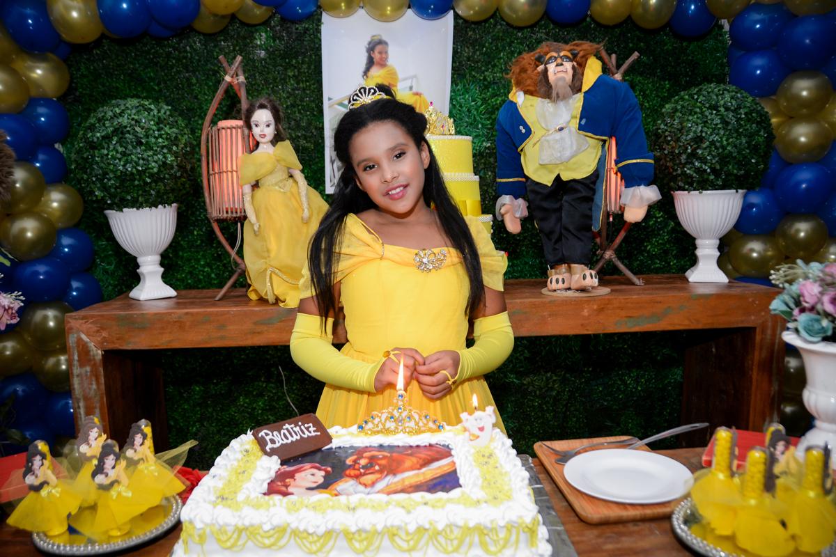 hora de cantar parabéns para você no Buffet Fábrica da Alegria, Morumbi,SP, festa infantil aniversário de Beatriz 9 anos, tema da festa A Bela e a Fera
