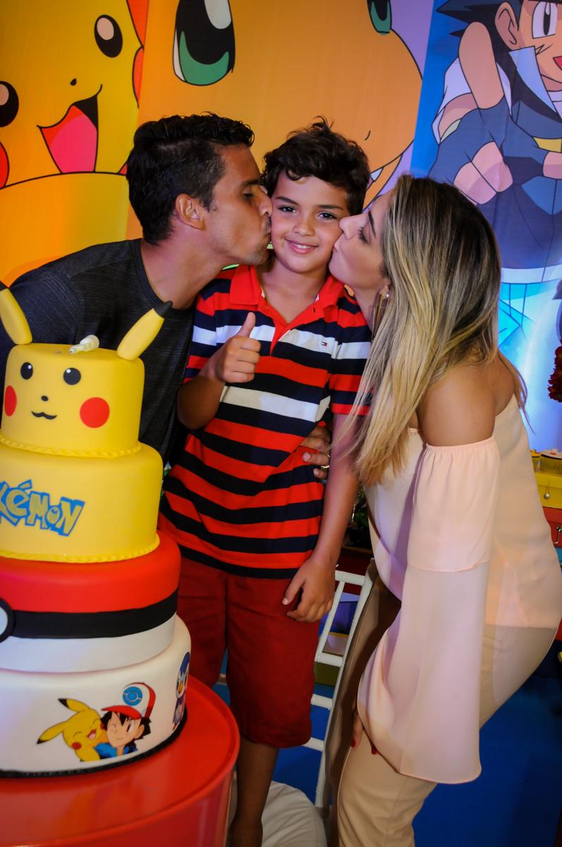final de festa com beiji sanduiche no Buffet Fantastic World, Morumbi São Paulo, Festa Infantil, aniversário de Jean Gabriel 8 anos, tema da festa Poke Mon