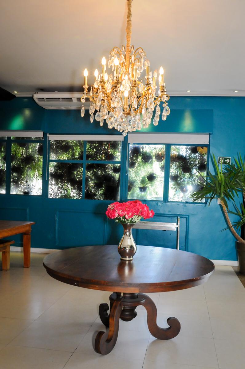 decoração com lustres no Buffet Planeta Prime, Alphaville, SP, festa intantil, tema frozen, Gabriela 3 aninhos