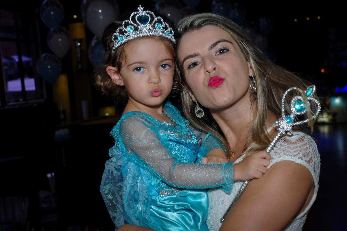 beijinho de biquinho no Buffet Planeta Prime, Alphaville, SP, festa intantil, tema frozen, Gabriela 3 aninhos