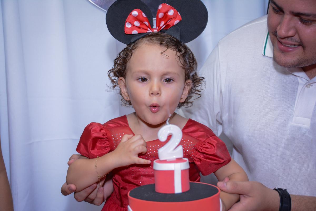 Final de festa na Festa infantil, Ana Clara 2 aninhos, tema da festa Minie Vermelha, Buffet Balão Mágico, Osaco, SP
