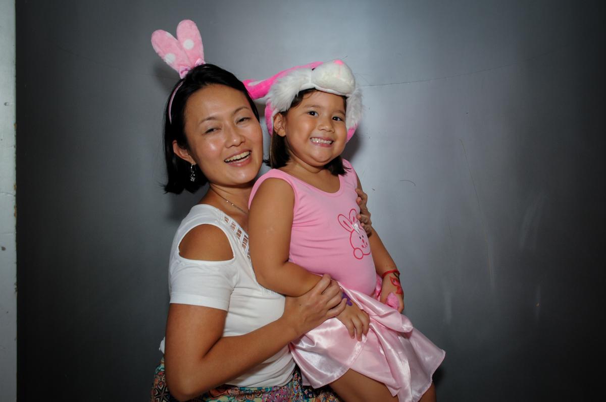 hora do parabéns no Buffet Fábrica da Alegria,festa infantil, aniversário infantil, fotografia infantil,aniversariante Karina 6 anos tema da festa Pet