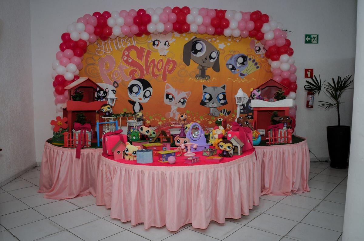 mesa decorada no Buffet Fábrica da Alegria,festa infantil, aniversário infantil, fotografia infantil,aniversariante Karina 6 anos tema da festa Pet