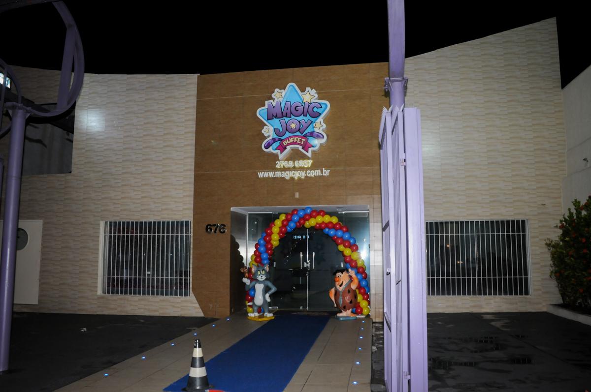 Festa infantil fotografia infantil aniversário de Arthur 10 anos e Marina 8 anos, buffet Magic Joy, Saude, SP, tema da festa cartoon