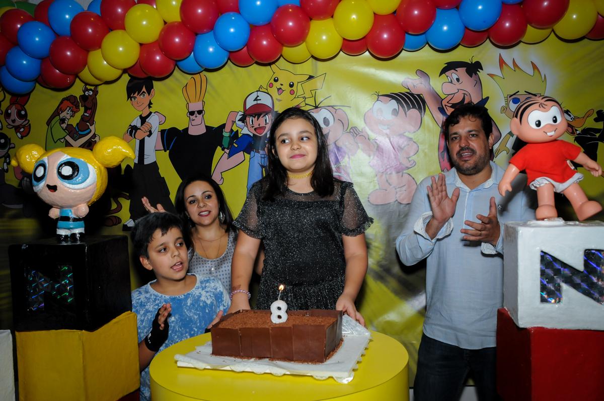 cantando parabéns na Festa infantil fotografia infantil aniversário de Arthur 10 anos e Marina 8 anos, buffet Magic Joy, Saude, SP, tema da festa cartoon