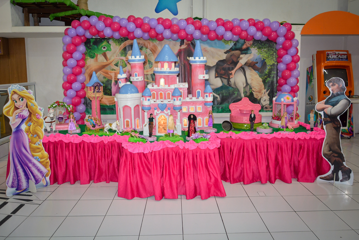 mesa-decorada-no-buffet-magic-joy-saude-sao-paulo-sp-fotografia-infantil-aniversario-de-isadora-6-anos-tema-da-festa-rapunzel