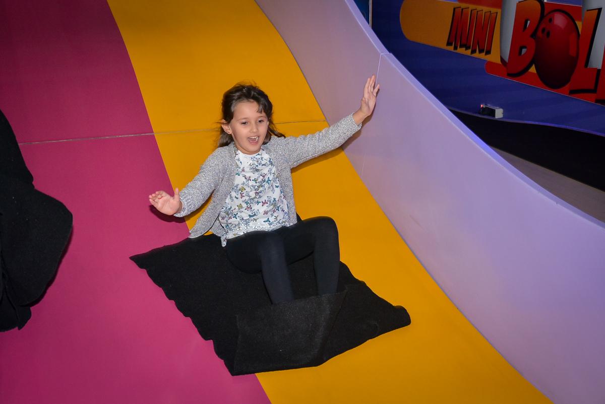 escorregador-divertido-no-buffet-magic-joy-saude-sao-paulo-sp-fotografia-infantil-aniversario-de-isadora-6-anos-tema-da-festa-rapunzel