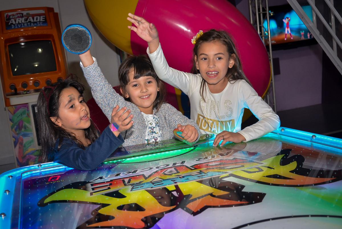 comemorando-gol-no-buffet-magic-joy-saude-sao-paulo-sp-fotografia-infantil-aniversario-de-isadora-6-anos-tema-da-festa-rapunzel