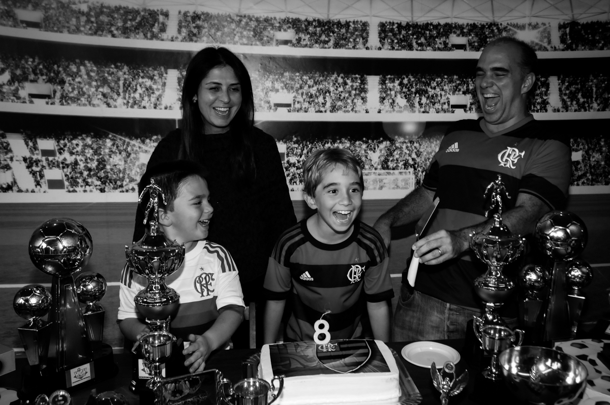 muita-alegria-no-parabéns-no-Buffet-High-Soccer-Morumbi-São-paulo-SP-festa-infantil-aniversário-de-Felipe-8-anos-tema-da-festa-futebo