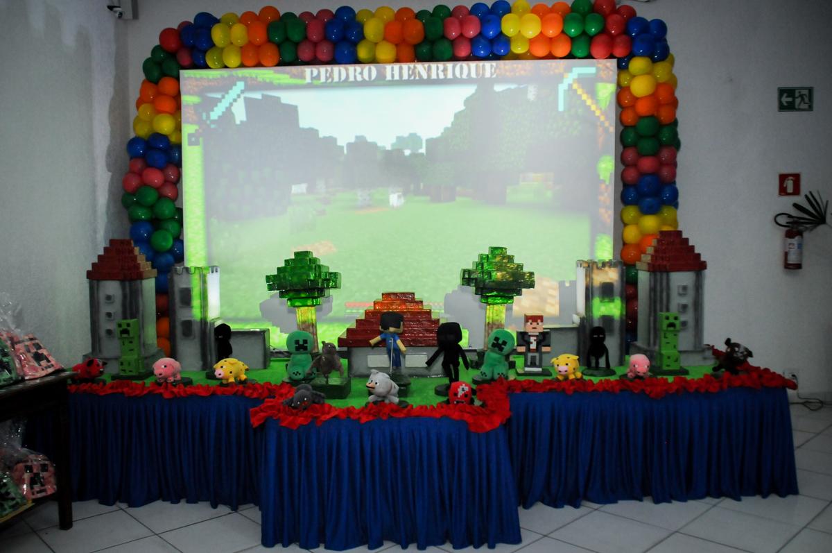 mesa-temática-no-Buffet-Fábrica-da-Alegria-Morumbi-S-Paulo-SP-fotografia-infantil-festa-infantil-tema-da-festa-minicraft