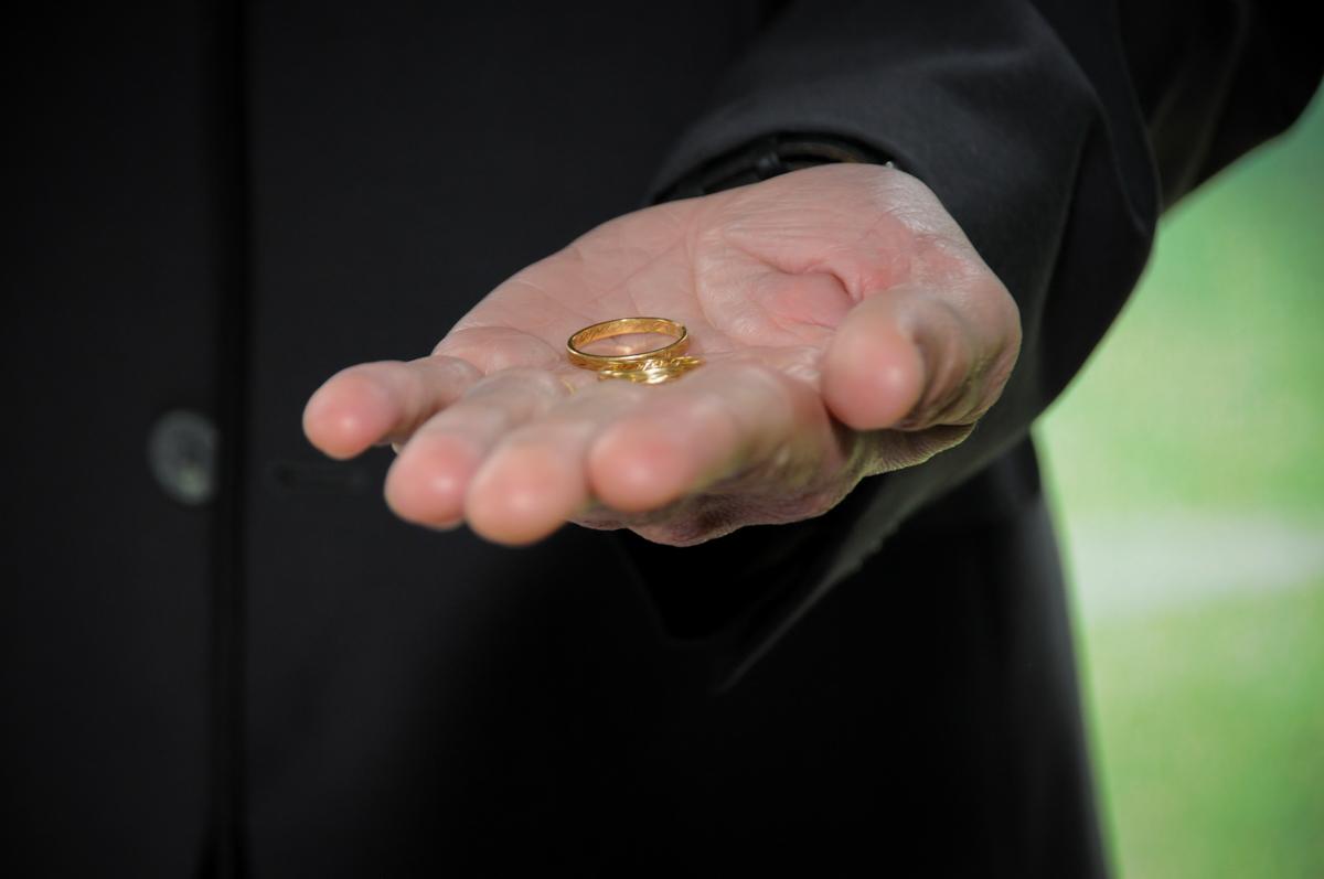 troca-das-alianças-no-sítio-granja-viana-festa-adulto-bodas-de-ouro-placidia-e-eider