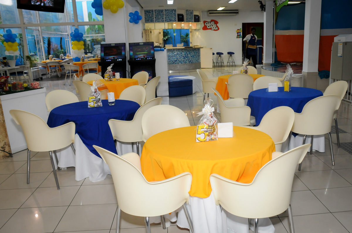 mesas-decorada-do-buffet-comics-morumbi-sp-festa-infantil-fotografia-de-marina-5-anos-tema-da-festa-carrossel