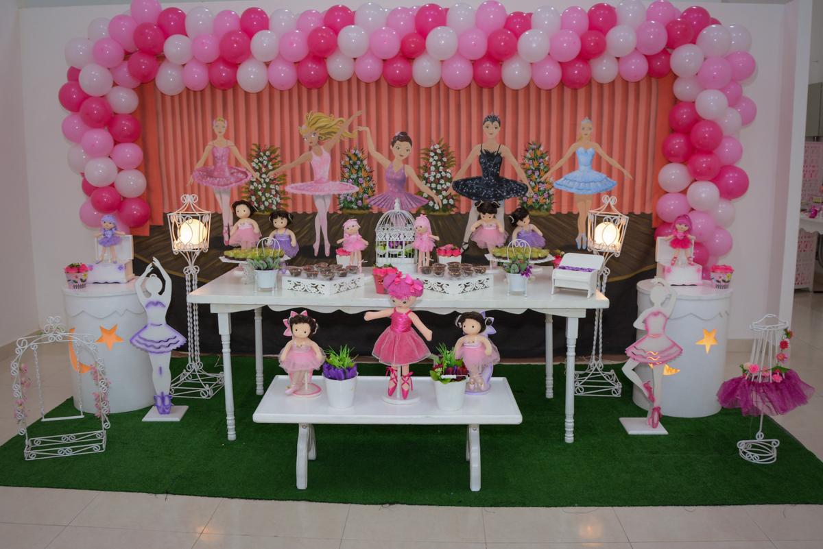 mesa decorada bailarinas noBuffet Espaço Play, Osasco, São Paulo