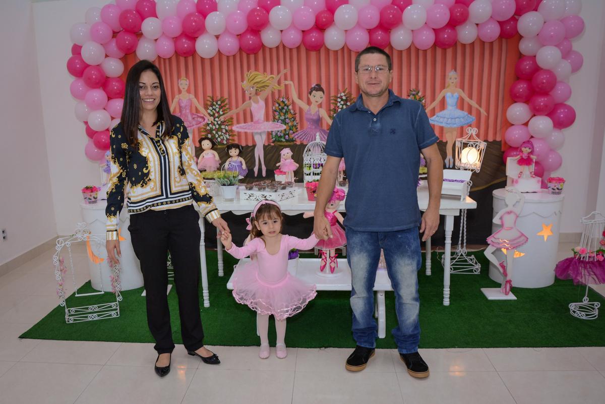 entrada da família  na festa da Milena 1 aninho no Buffet Espaço Play, Osasco, São Paulo