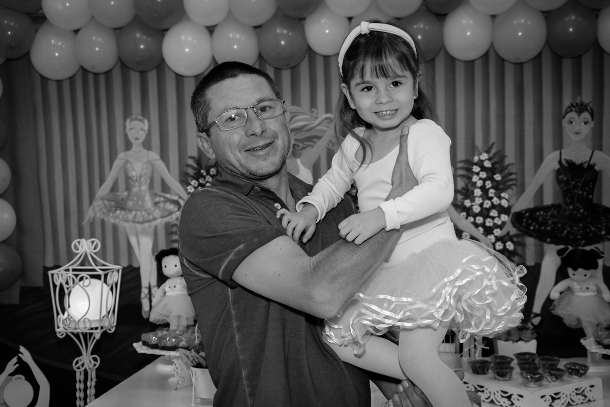 fotografia pai e filha no Buffet Espaço Play, Osasco, São Paulo