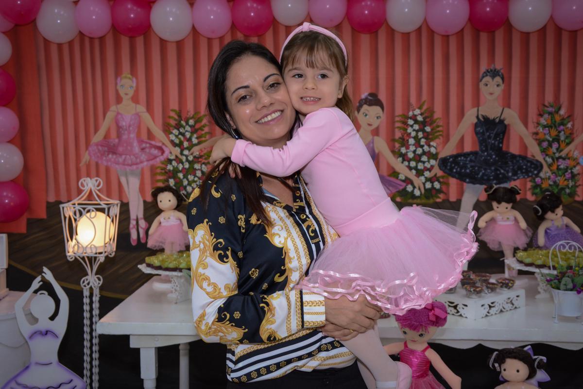 fotografia  mãe e filha no Buffet Espaço Play, Osasco, São Paulo