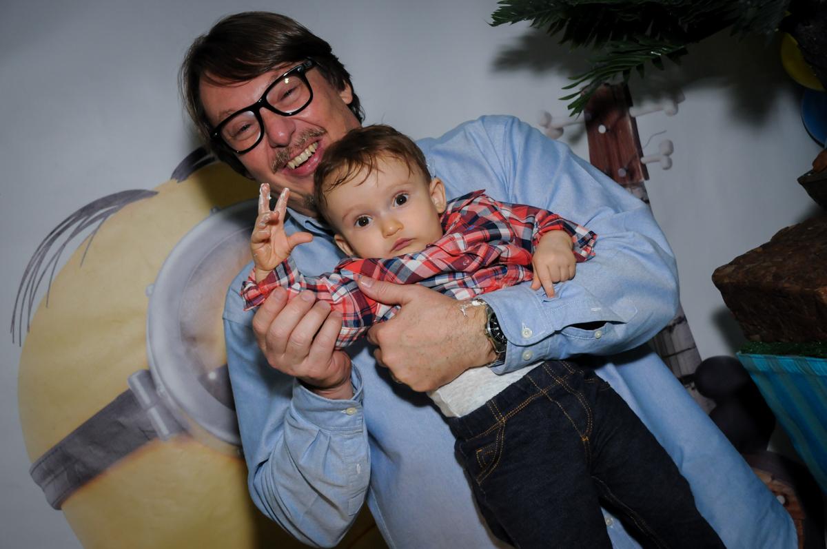 pai feliz na festa de aniversário no Buffet Fábrica da Alegria, Morumbi, São Paulo, SP