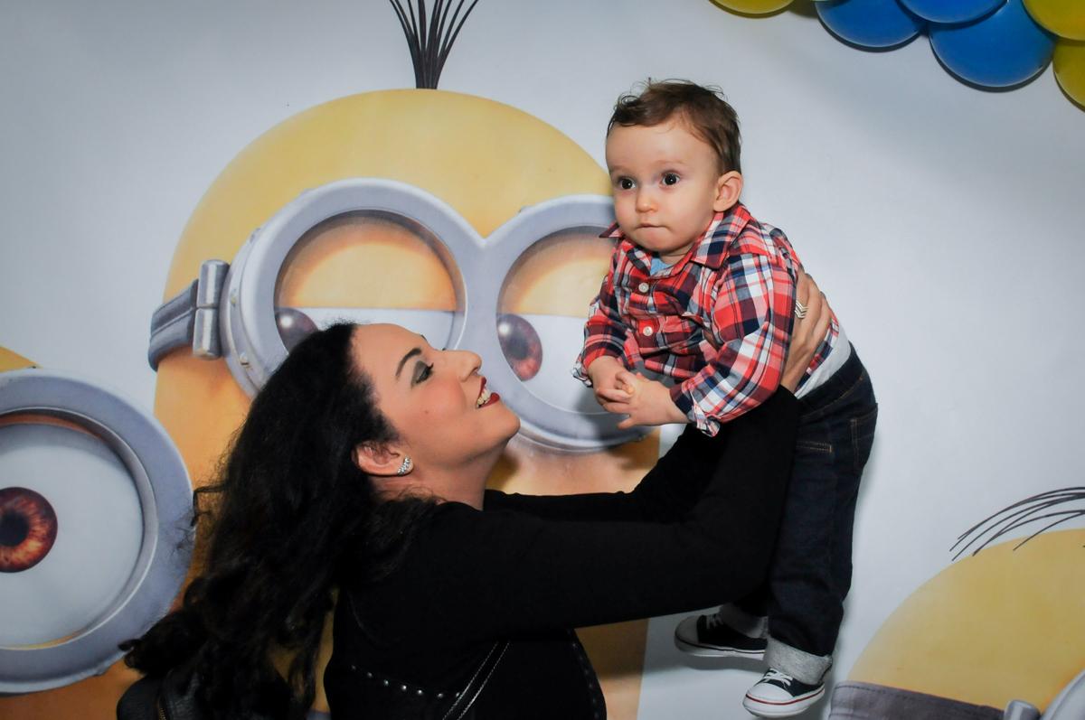 fotografia mãe e filho no Buffet Fábrica da Alegria, Morumbi, São Paulo, SP
