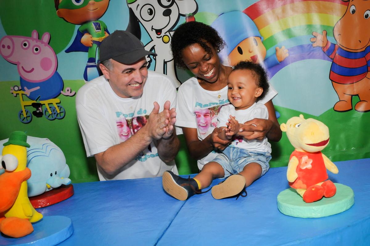 final da festa no Buffet Fábrica da Alegria, Morumbi, SP, aniversário de Carlos 1 ano, tema da mesa Discovery Kids