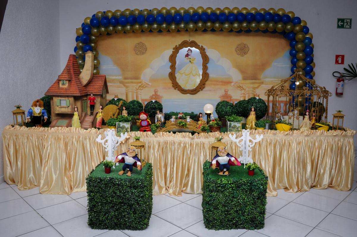 mesa tematica no buffet fábrica da alegria morumbi, sao paulo,sp, aniversário de brunna hadassa 6 anos, tema da festa a bela e a fera