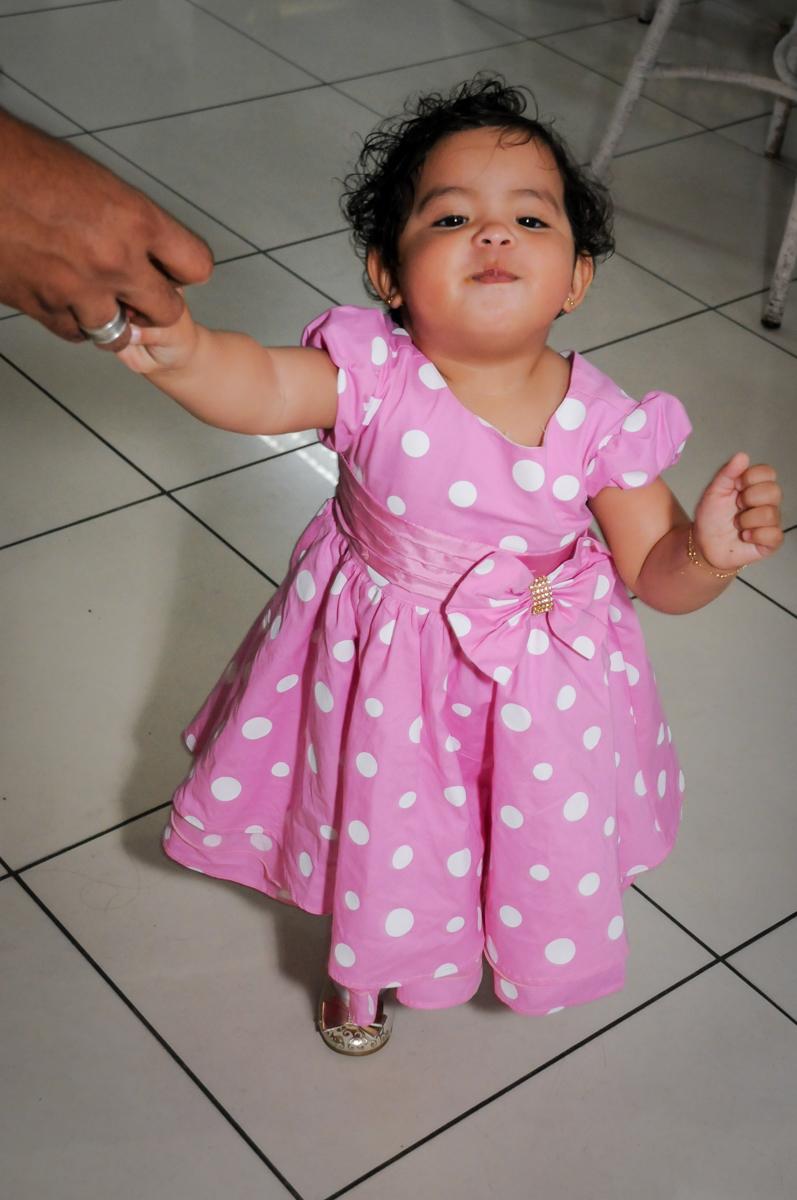 dando os primeiros passos no Buffet Comics, Morumbi, São Paulo, SP, aniversario de Giovanna 1 aninho, tema da festa, minie rosa