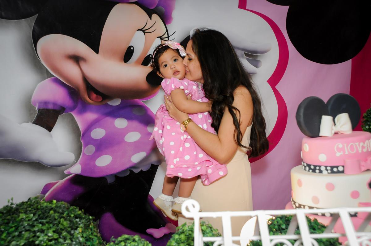 beijo da mamãe no Buffet Comics, Morumbi, São Paulo, SP, aniversario de Giovanna 1 aninho, tema da festa, minie rosa