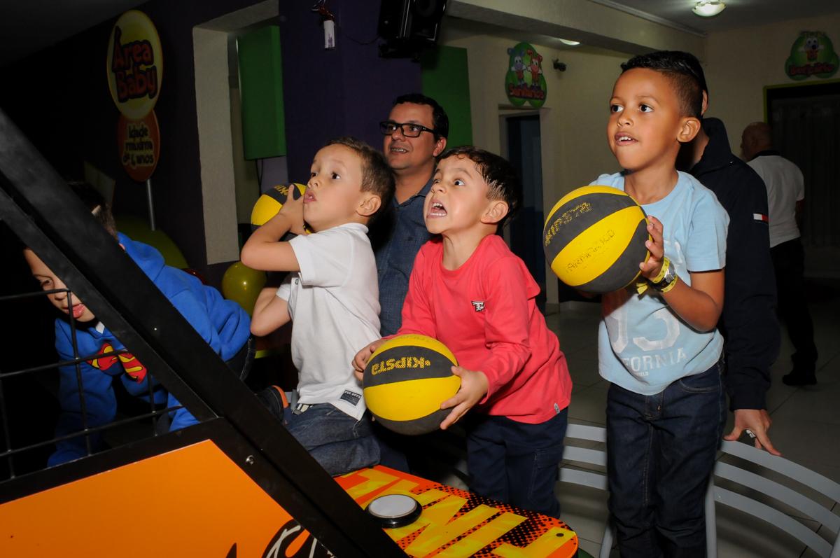 basquete boll animado no Buffet Seven For Seven, Granja Viana, São Paulo, SP, aniversário de Davi 5 anos, tema da festa Power Ranjer