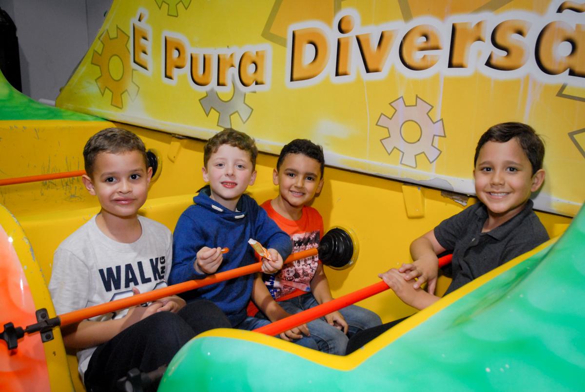 barco vick divertido no Buffet Fábrica da Alegria, Osasco, São Paulo, SP, aniversário de Matheus 7 anos, tema da festa Power Ranger