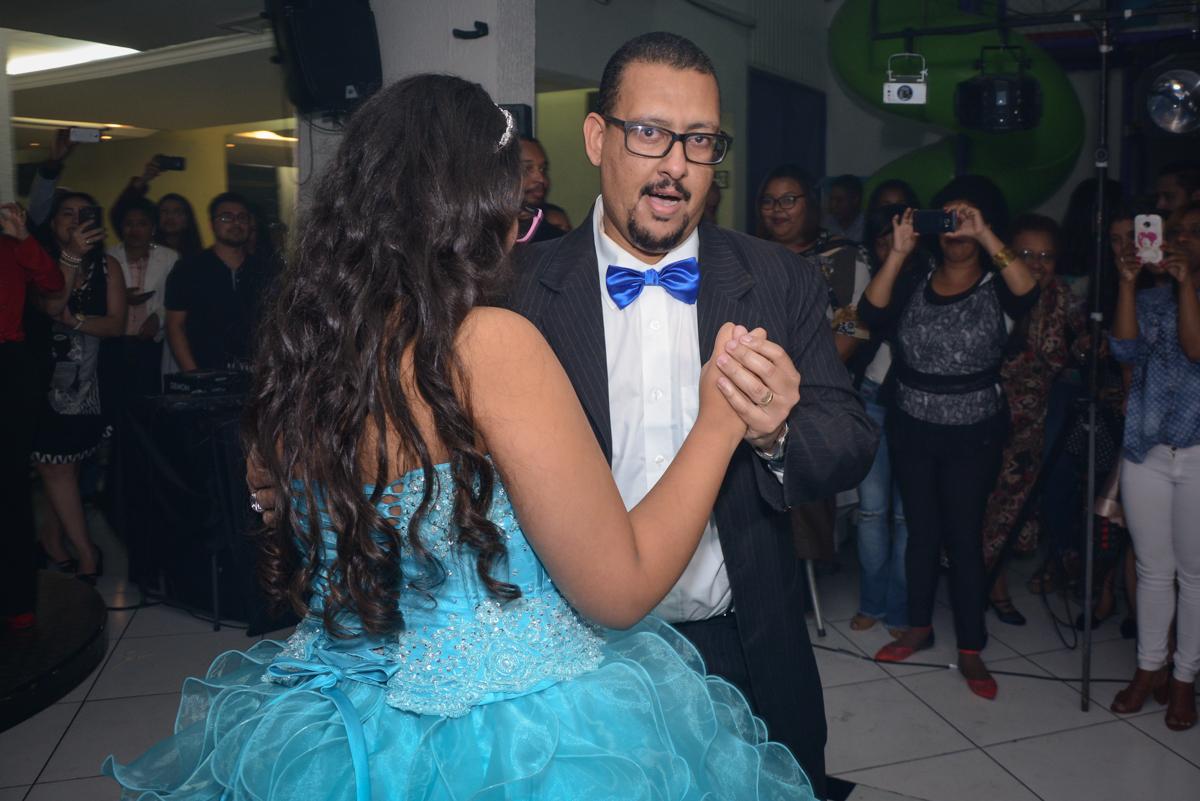 dança da valsa com o pai no Buffet Zezé e Lelé, Butantã, São Paulo, SP, Anne Caroline 15 anos