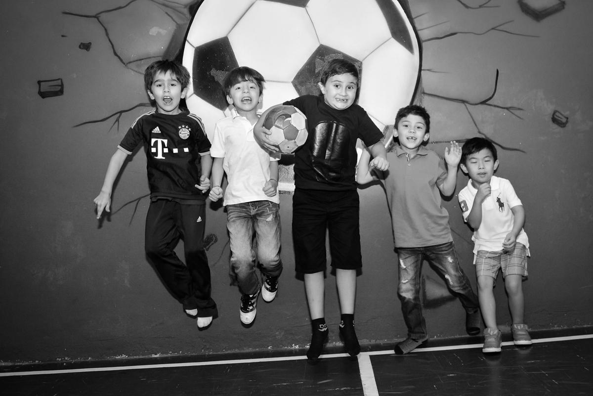 futebol divertido no Buffet Salakaboom, Ipiranga, São Paulo, aniversário de Jonathan 7 anos, tema da festa Star Wars