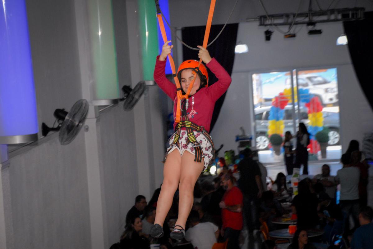 tirolesa animada no Buffet Galeria da Arte, Vila Maria, São Paulo, aniversário de Lorenzo 4 e Lucca 1 aninho tema da festa super herois